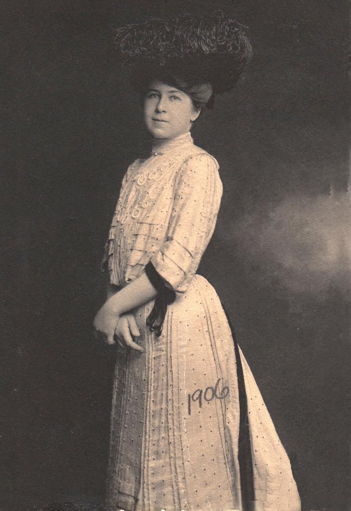 Lena 1906 (small)