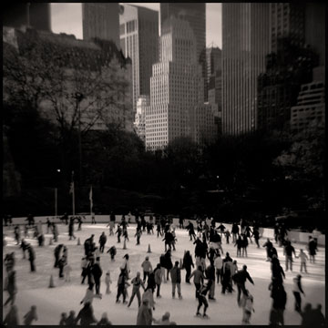 Aline Smithson, skaters, skaters New York City, black and white photo skaters.