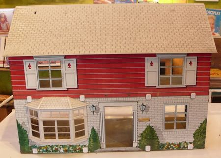 Marx tin dollhouse, dollhouse exterior