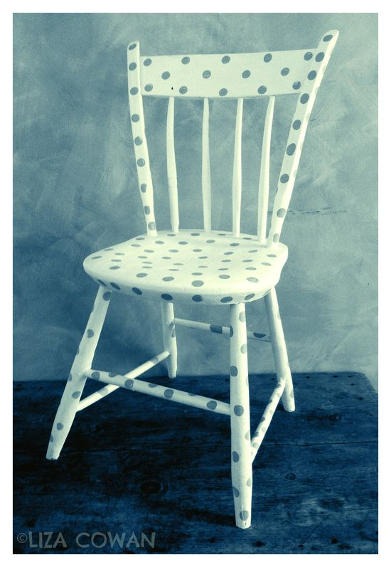 Spotted chair, annie sloan chalk paint ©Liza Cowan