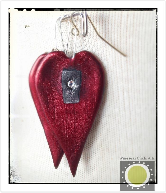 Winooski circle arts plastic hand formed heart longina smolinski. Photo ©Liza cowan