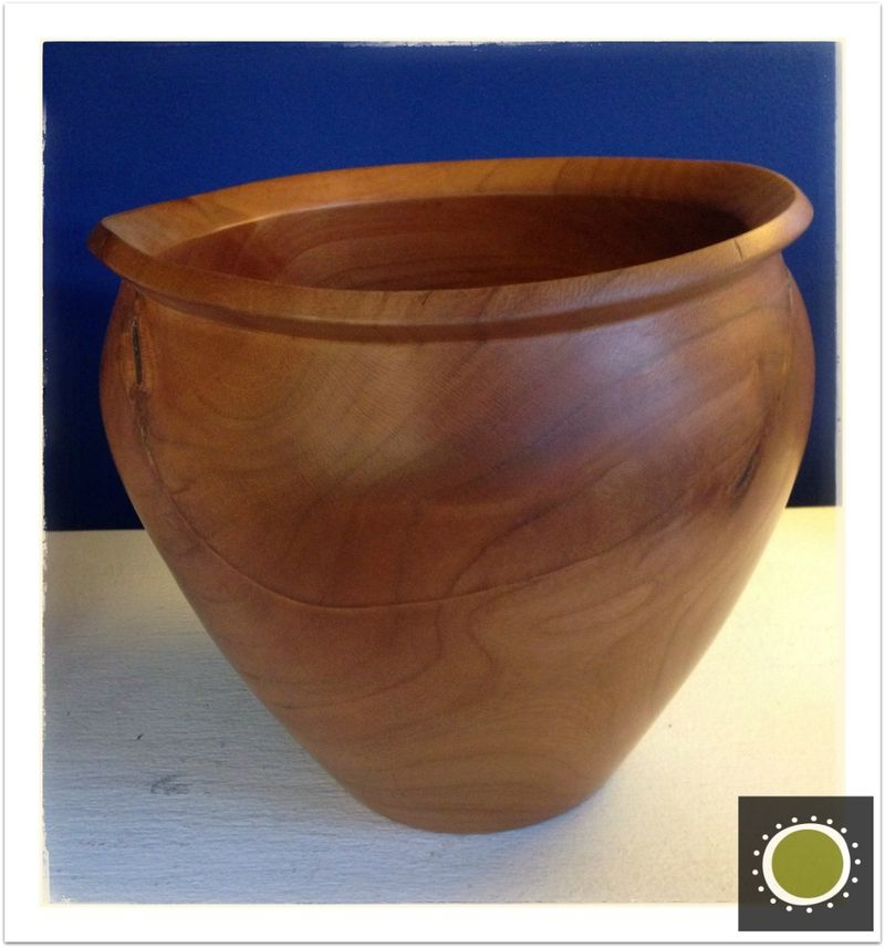 winooski circle arts. Turned wooden bowl by Hounds Bay Woodworking. Winooski Vermont art.