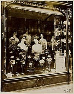 Eugene Atget, mannequin,boulevard de strasbourg, paris, 1912